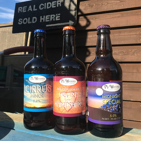 https://www.mr-whiteheads-cider.co.uk/wp-content/uploads/2020/06/MWC_WEB-images_8.jpg